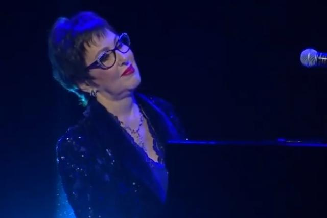 Elena Iourova представила видео на композицию «Autumn Leaves Fall Again»