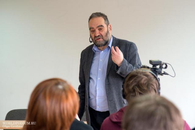 В ИСИ прошла лекция Андрея Зорина