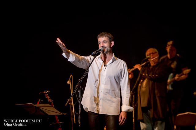 Сегодня и завтра: Дмитрий Певцов и «ПевцовЪ-Оркестр» выступят в Кремле с сольной программой!