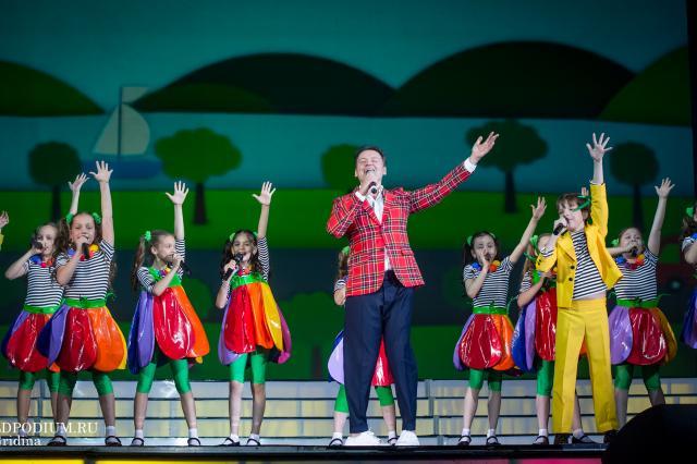 «Сбереги мир от горя и зла, чтобы жить на планете добра!», - отчётные концерты театра «Домисолька»!