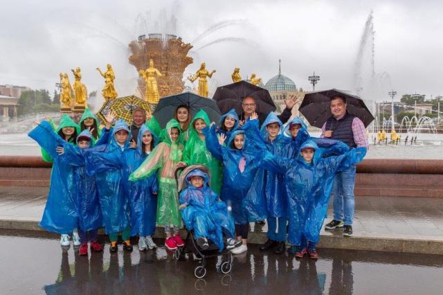 Дружба народов: дети из Азербайджана посетили ВДНХ