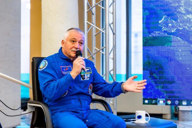 ВДНХ проведет первый прямой эфир с космонавтом