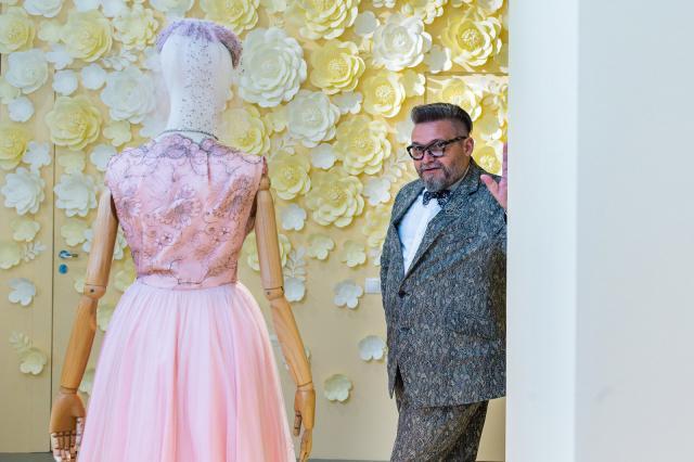 Выставка «Курортная мода» Александра Васильева откроется на ВДНХ
