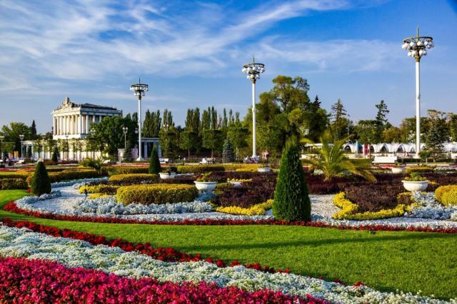 Рекордное лето на ВДНХ: более 1 300 000 цветов распустилось в этом сезоне на Выставке