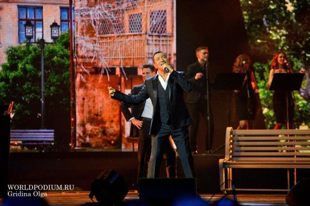 «Мужчина на сцене и в жизни!»: Александр Буйнов отмечает День рождения