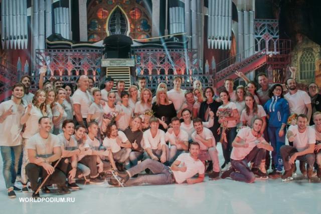 Пугачева, Безруков с детьми и другие гости на спектакле Авербуха