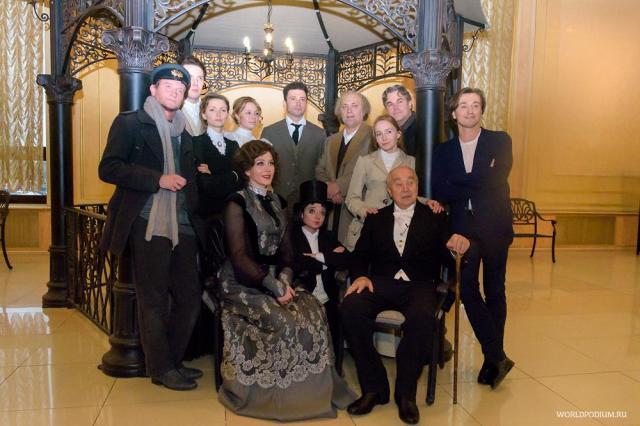 Сергей Безруков и артисты Губернского театра подготовили поэтический подарок к Пасхе