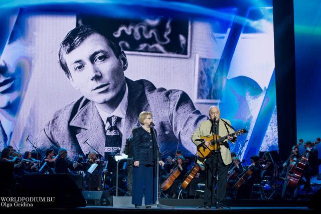 День памяти Евгения Евтушенко: «Когда изменяемся мы - изменяется мир...»