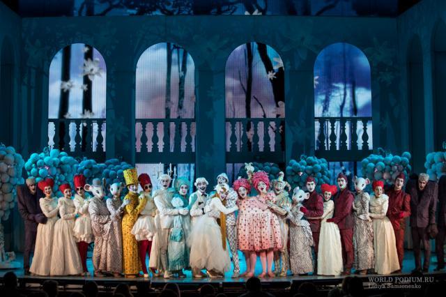 «Сказка для взрослых. Всё о Золушке» в Театре Мюзикла: «Жить старайся без опаски и не бойся верить в сказки!..»