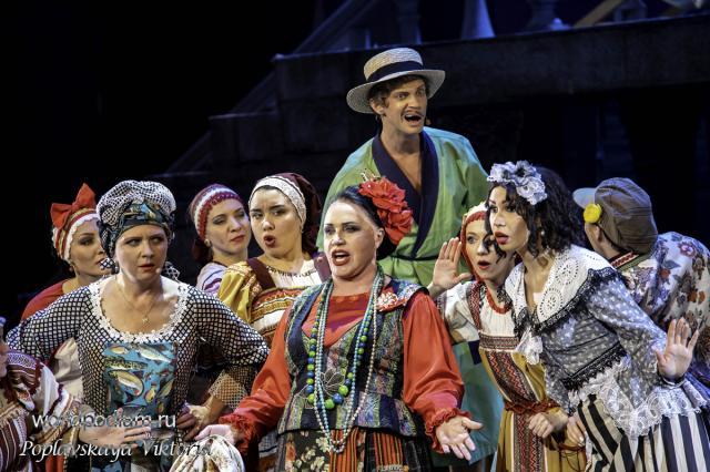 Увлекательная погоня «За двумя зайцами» в Театре «Русская песня»