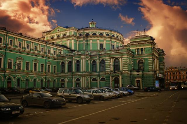 Мариинский театр покажет свои спектакли онлайн
