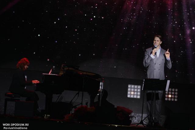 На официальном YouTube канале Ивана Ожогина пройдет трансляция записи концерта «Звёзды мюзиклов - Ради жизни»