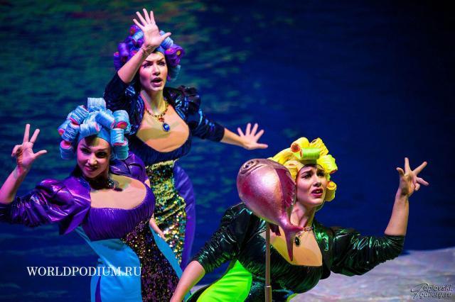 Шоу «Затерянный мир» в «Москвариуме»- «Говорят, дельфины, говорят...»