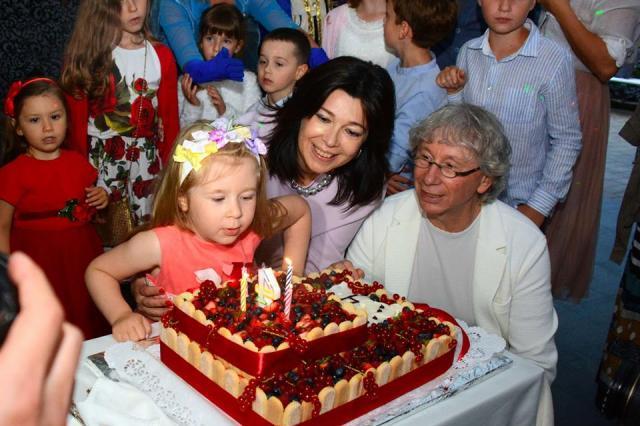 Дочь Аркадия Укупника весело отметила свое 4-х летие