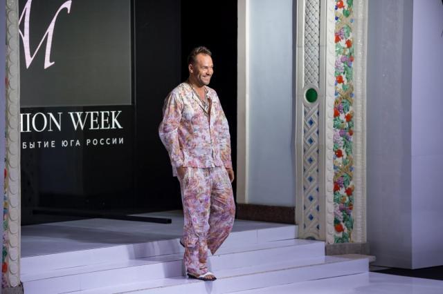 Актер Максим Аверин и бренд IVANOVA представили в Сочи совместную коллекцию одежды «Жить»