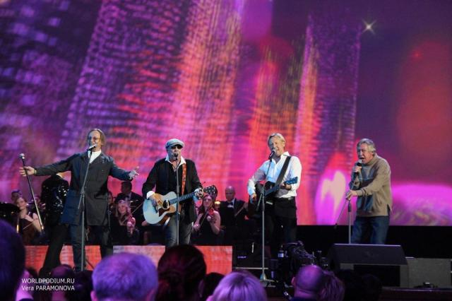 Телевизионная версия концерта «Дороги любви», посвященного 60-летнему юбилею Дмитрия Харатьяна, в эфире Первого канала!