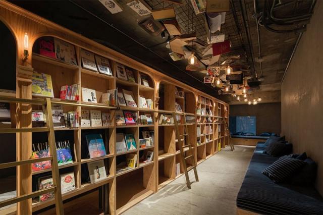 В Японии открылся отель для ценителей бумажных книг