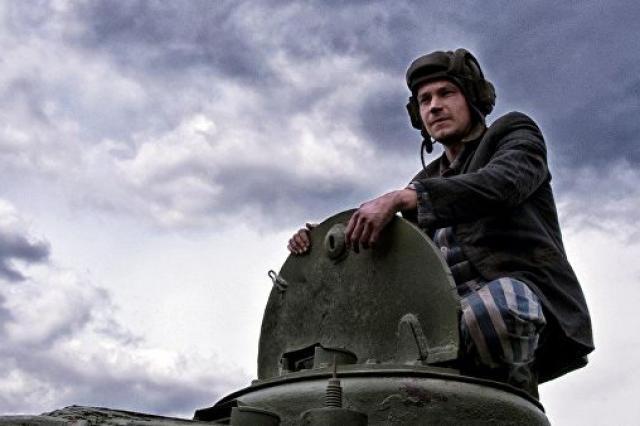 """Мединский надеется, что """"Т-34"""" обгонит по сборам """"Пиратов Карибского моря"""""""