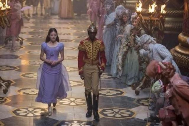Российские зрители негативно отреагировали на показ нового фильма «Щелкунчик и четыре королевства»