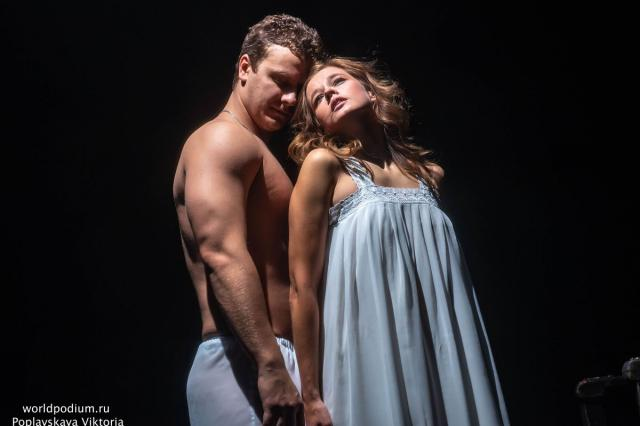 Катерина Шпица дебютировала в главной роли в спектакле Сергея Алдонина «Ромео и Джульетта»