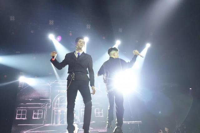 Rauf&Faik выступили в Московском «Adrenaline Stadium» в рамках большого гастрольного тура!