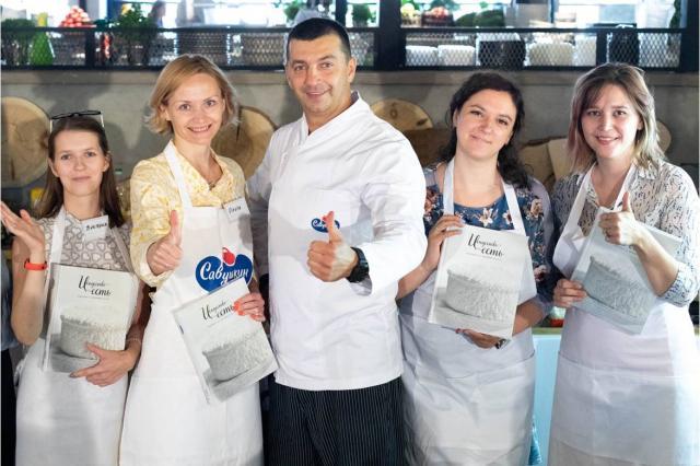 Шеф-повар Кирилл Голиков и «Савушкин Хуторок» выбрали лучшего блогера по приготовлению идеальных сырников