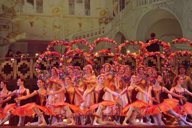 Труппа театра «Кремлёвский балет» переходит на удалённый формат работы