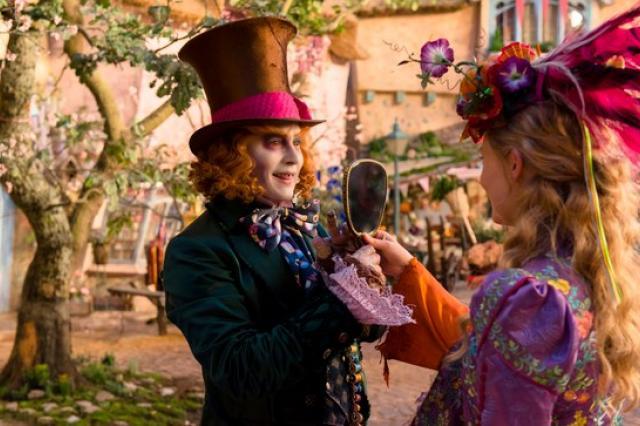 «Алиса в Зазеркалье»: чудеса становятся реальностью!