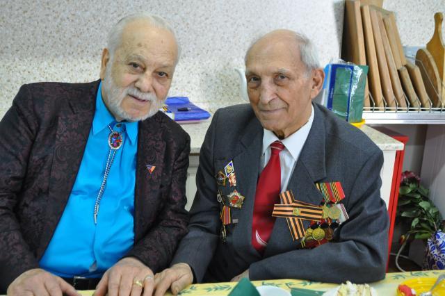 Бедрос Киркоров поздравил ветеранов  с Днём Победы!