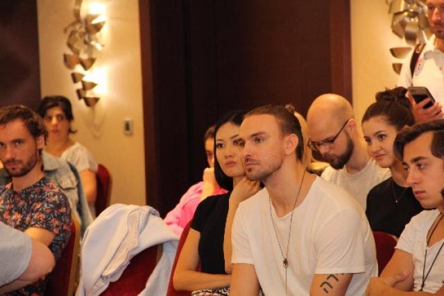 Репетиции конкурсантов фестиваля «Новая волна»