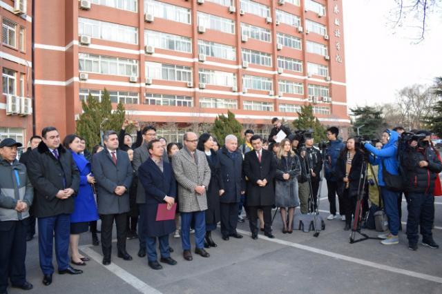 В Пекине открыт памятник легенде белорусской литературы