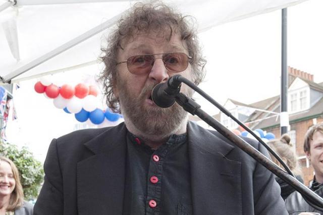 Умер британский музыкант Чес Ходжес