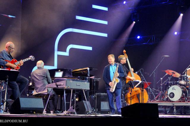 WJF 2016 - Весь этот джаз: концерт в «Ar?na R?ga». Bob James