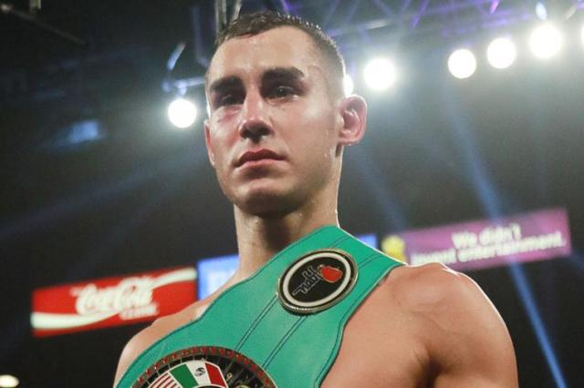 Боксер Максим Дадашев умер от травм после боя
