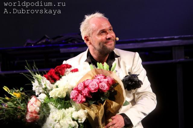 Спектакль Максима Аверина «Аплодисменты» - гимн Личностям, Призвание которых Артист!