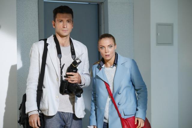 Татьяна Арнтгольц и Антон Хабаров в телесериале «25-ый час»