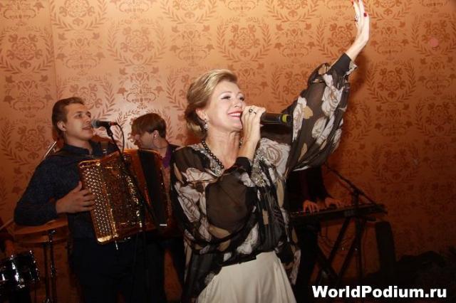 Вика Цыганова представила первый за 10 лет альбом!