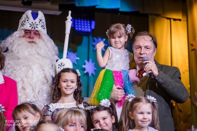 «С Новым годом меня, и дай Бог нам всем здоровья!» - руководитель театра «Домисолька» Иван Жиганов отмечает День рождения
