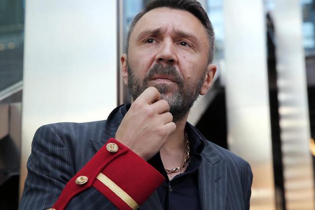 О Сергее Шнурове как «Экспонате» расскажет Первый канал