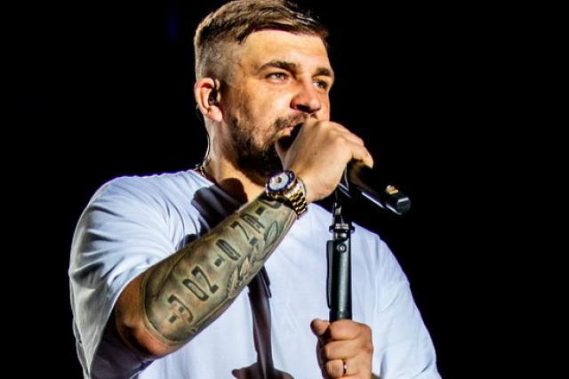 Российские фильмы и концерт Басты покажет СТС в честь праздника