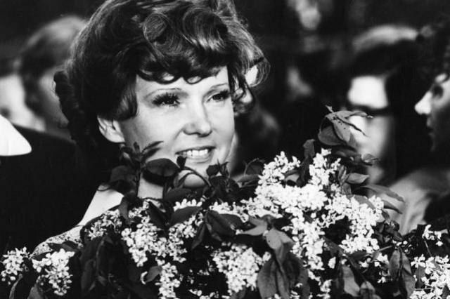 Людмила Гурченко сегодня отмечала бы 85-летний юбилей: «Тают звёзды, сгорают кометы, Всё проходит, любовь бессмертна…»