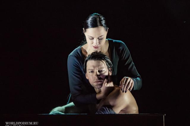 Жизнь - ускользающая тень, в которой от эволюции до деградации всего один шаг: премьера спектакля «Макбет» в Театре на Малой Бронной