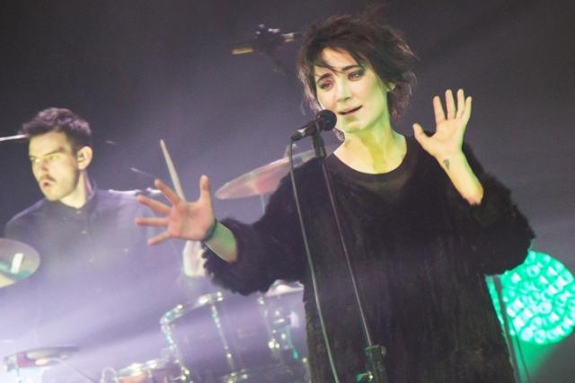 Два заключительных концерта тура Земфиры в Москве посетят более 60 тыс. зрителей