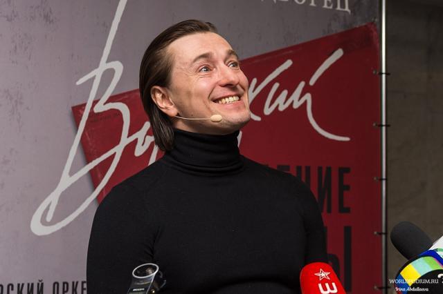 «С какой мы планеты?»: Сергей Безруков отмечает День рождения
