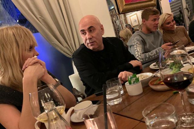 Александр Кокорин отдохнул с Валерией и Кридом