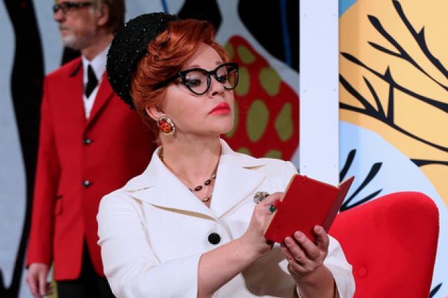Спектакль «Как важно быть серьёзным» на сцене Театра им. Моссовета: гармоничный тандем фарса и философии