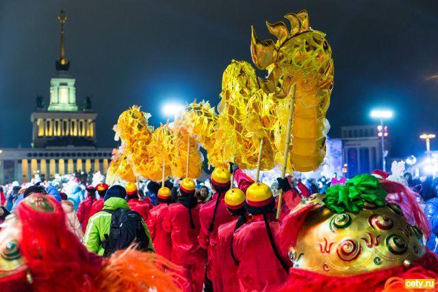 Свыше 10 000 человек встретили Новый год на Главном катке страны