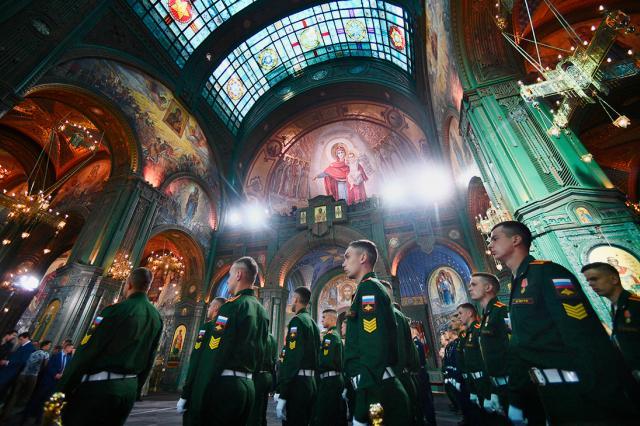 """Главный храм Вооруженных сил освятили в парке """"Патриот"""" в день Всех Святых"""
