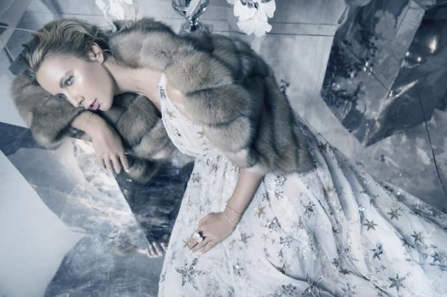 Телеведущая Елена Летучая примерила образ Снежной Королевы в фотосессии для бренда Dreamfur