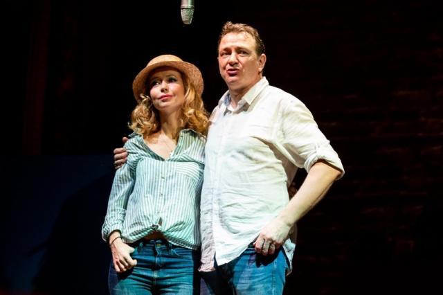 «Почему, когда любишь ты - не любят тебя? Почему, когда тебя любят - ты не любишь?» - Елена Захарова и Марат Башаров в спектакле «Непьеса на двоих»